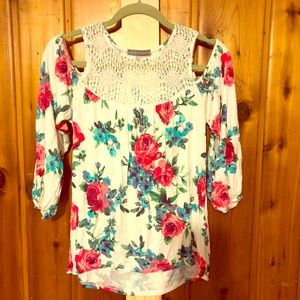 Loveappella knit and lace cold shoulder floral top